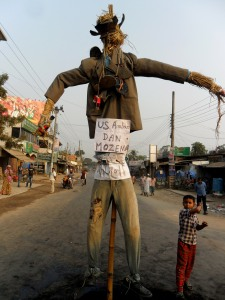 Angry villagers burnt Dan Mowzena's effigy during general strike in Phulbari on 24 Nov 2012 . Photo credit: Mizanur Rahman