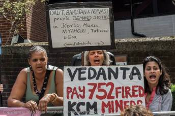 Foil Vedanta demo at AGM 5 August 2016. Photocredit: Peter Marshall