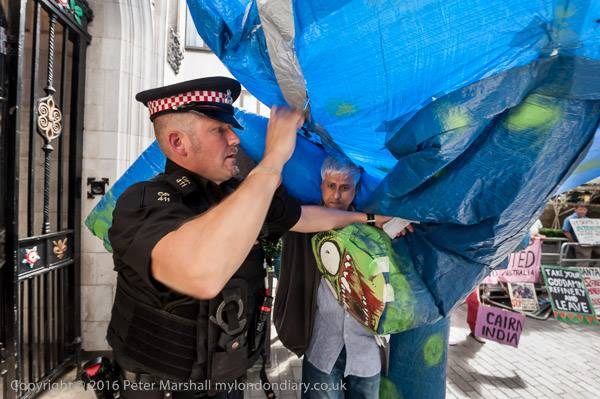 Foil Vedanta demo shows how British Police was caught by the Vedanta monster on Friday at Ironmongers Hall  by Peter Marshall
